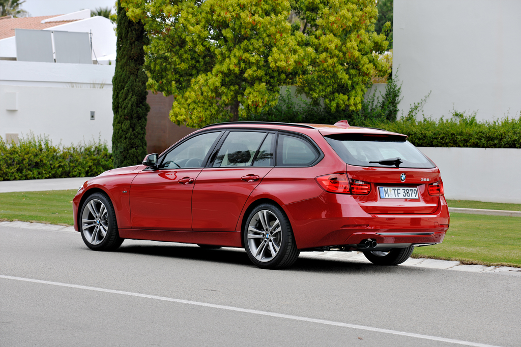 US Debut BMW 328i Wagon
