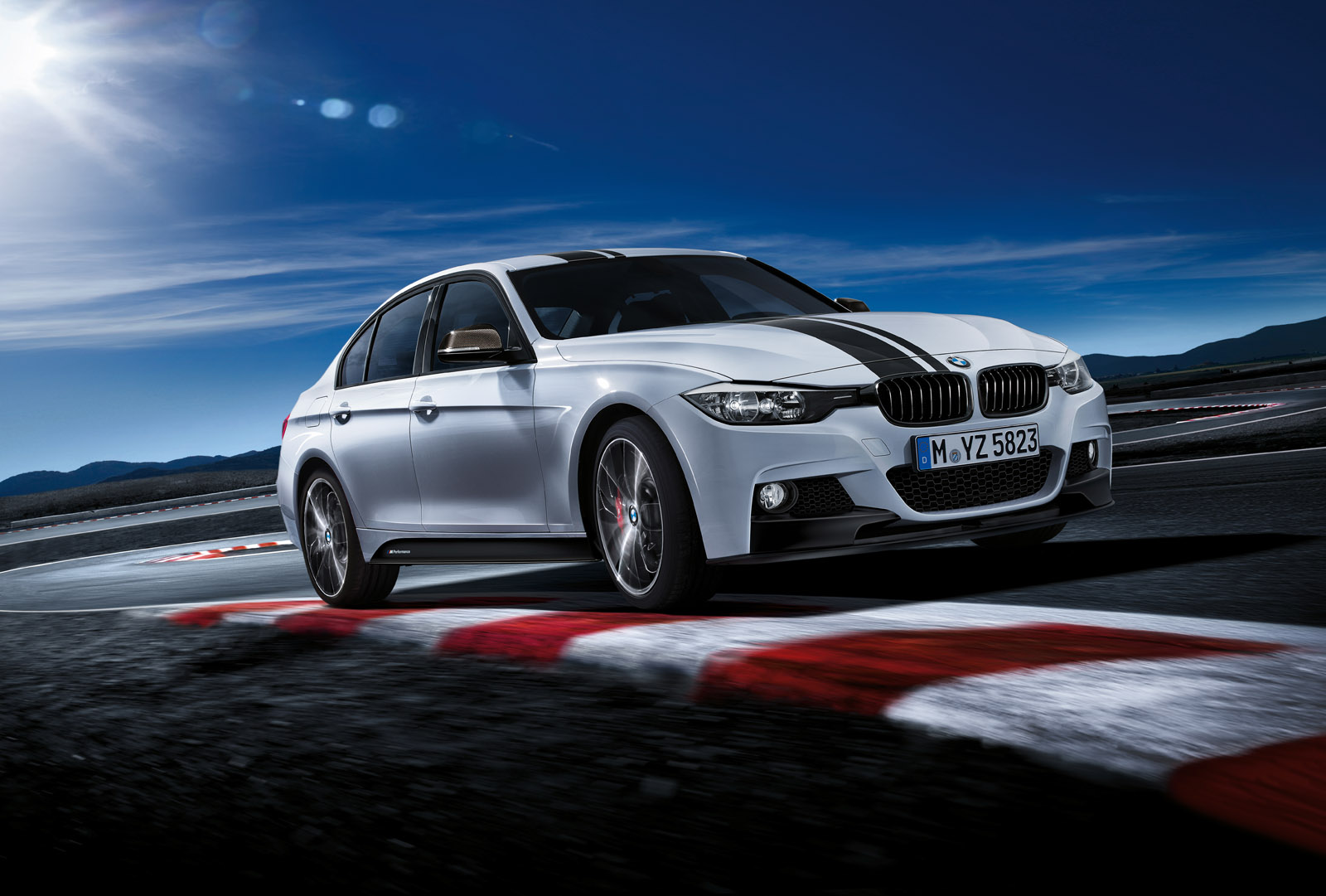 3 Series M Performance mood image