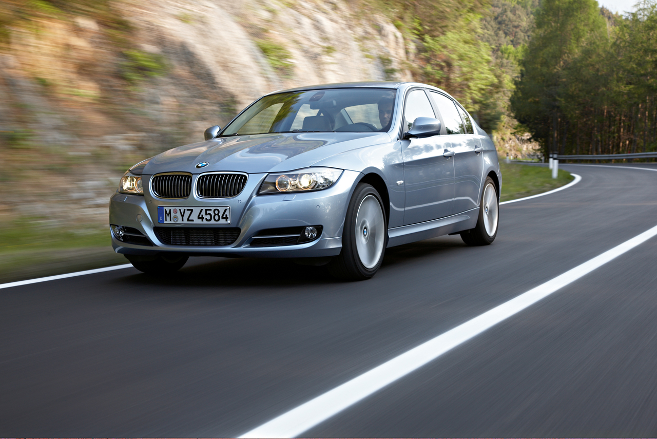 Road Amp Track Pits The E90 Vs F30 In A 3 Series Battle