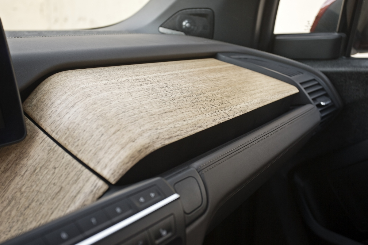 Bmw i3 wins automotive interiors expo award 2014 bimmerfile for Interior trim materials