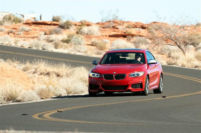 2014-BMW-M235i-6