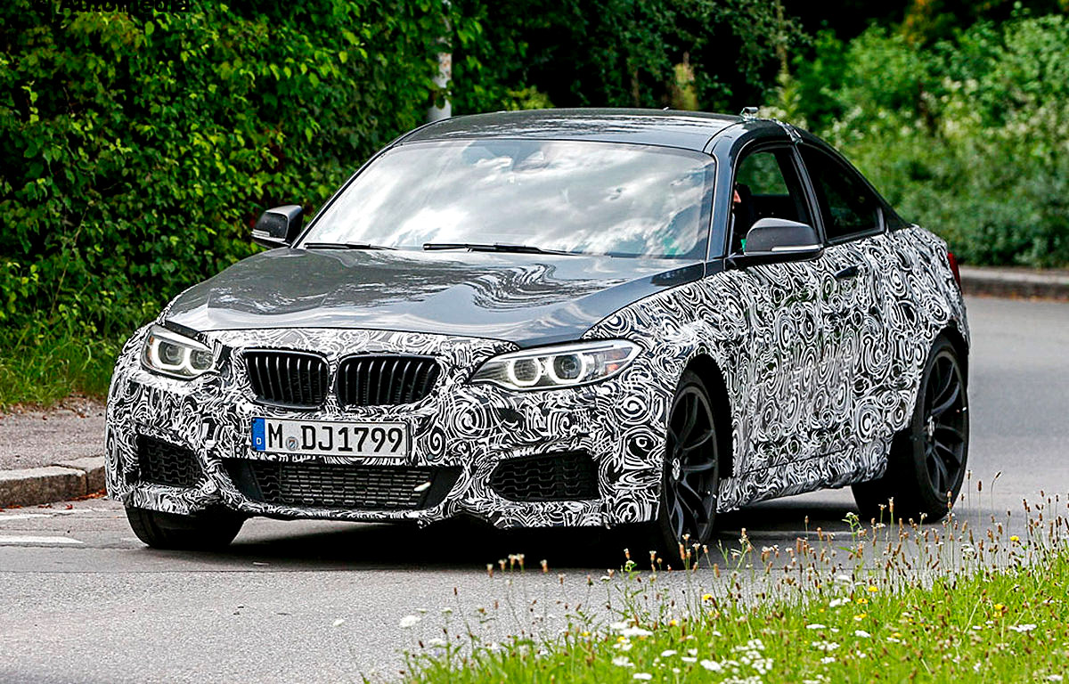 The BMW M2 at the Testing at the 'Ring