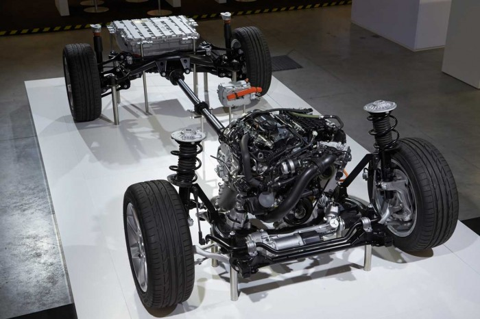 F30_hybrid_69-highRes