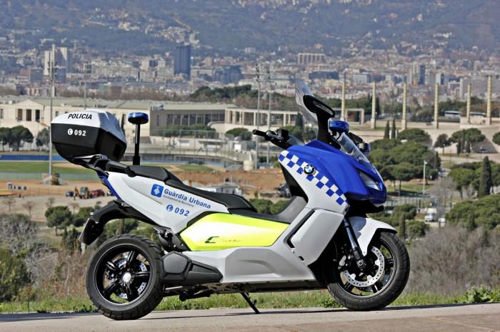 P90176026_highReBarcelona Police Using BMW C Evolution Scooterss