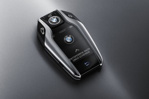 BMW's New Display Key Demoed