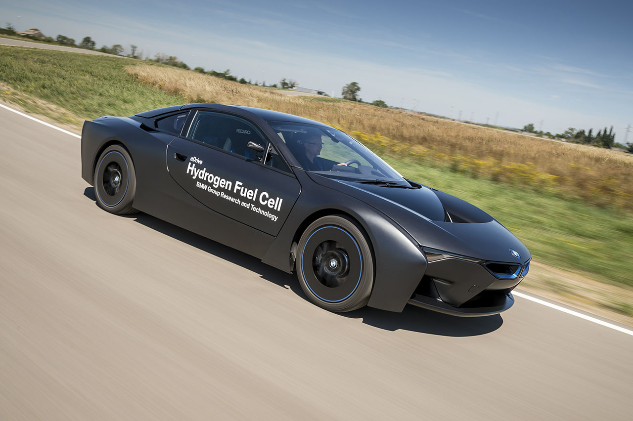 bmw technology strategy The race to build the fully connected car, and ultimately the completely autonomous vehicle, is already underway who will cross the finish line successfully — and where exactly that finish line is — remains to be seen.