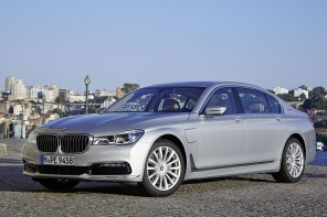 2016 BMW 740e xDrive Specifications & Gallery