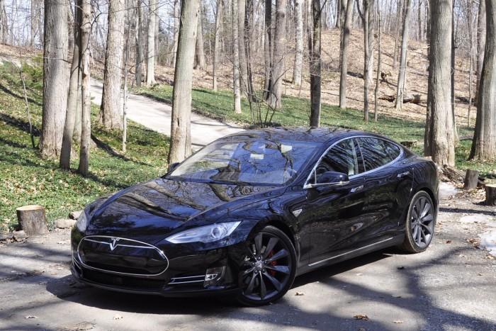 Tesla_ModelS_P85D_2815